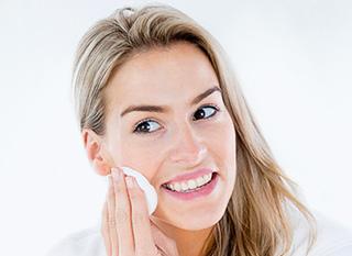 Hogyan tisztítsa helyesen a bőrét?